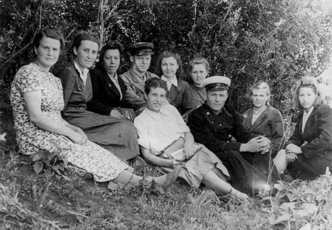 Лето 1952 г. Ш. Постниковская №1