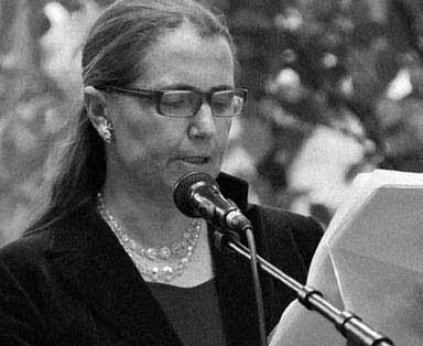 Поэт и переводчик Аннелиза Аллева